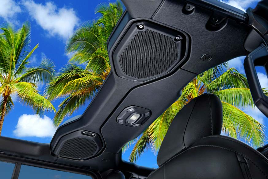 View from a Jeep Wrangler in Maui by MauiCarRental.com